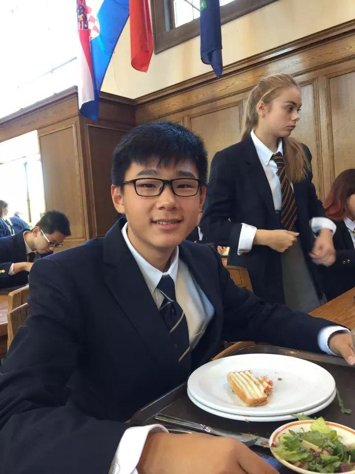 目不暇接的课外活动,与世界各国同学的盛宴