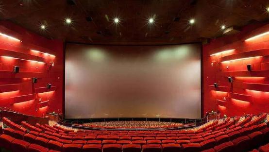 【双语学习】影院即将开放,第一部影片看什么?