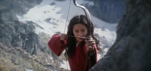 """【双语学习】《花木兰》终于上映,看神仙姐姐""""打响""""好莱坞"""
